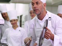 Food Atelier investeert